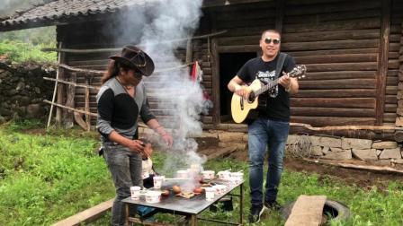 普米族歌手熊力宏阿黑原生态演唱带我到山顶