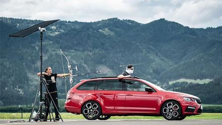 奥地利牛人坐跑车徒手抓飞箭