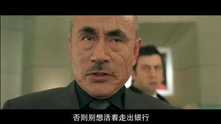 """让雷诺""""抢劫""""日本黑帮, 可怜的黑帮被他一个人给灭团了"""