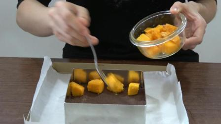 分享芒果酸奶慕斯做法, 三层三色, 无需烤箱, 好吃又好做的小蛋糕