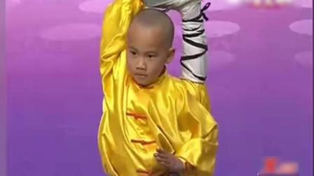 7岁功夫小子, 从四岁多练武术现场表演童子功, 评委看着让人心疼.