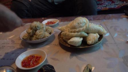 从泸定到新都桥住宿, 吃顿简单的藏餐为自己过一个生日!