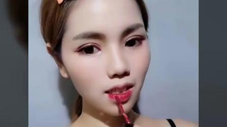 不知名up看抖音上的阿姨化妆被活活吓死。