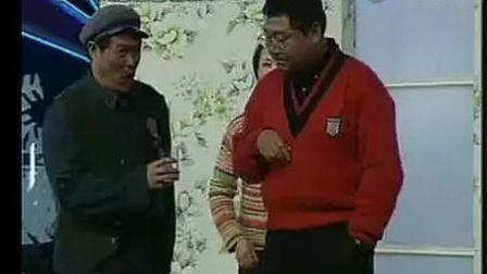 小品《年前年后》赵本山给范伟送粮食来了!