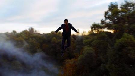 一口气看科幻片《木星之卫》, 难民小伙觉醒飞行技能