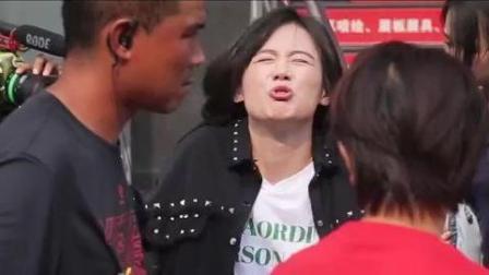 《橙红年代》搞笑花絮: 女警察马思纯的日常! 原来幕后拍摄这么逗