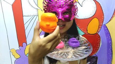 美女吃货, 面罩小姐姐吃哆啦A梦胖虎形状的彩色空心巧克力