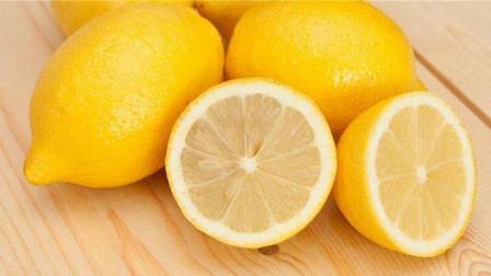 柠檬的用处很多, 也是血糖高的人爱吃的食物, 常吃血糖稳稳降下来