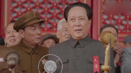 大阅兵: 北京天安门前的大阅兵, 看起来真壮观, 毛主席更是霸气侧漏!