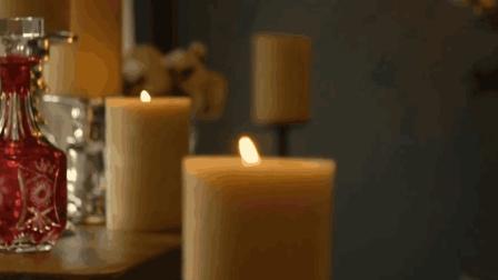 牛人发明智能蜡烛, 能遥控点火, 烧上1年它也不会变短