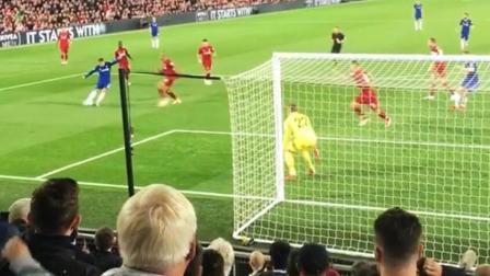 国际足坛九月份10佳球: 阿扎尔迷踪步梅西终结脚踝 球迷看台主视角享受