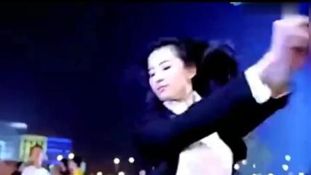刘亦菲舞蹈《弄你的士高》, 神仙姐姐也性感