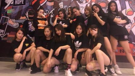 南宁华翎舞蹈培训学校, 钢管舞展示《Slow Dance》
