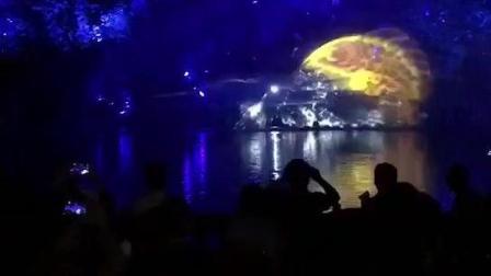 今晚的温州江心屿灯光秀——鲤鱼跃龙门好精彩啊