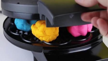 把橡皮泥放进电饼铛里, 你猜橡皮泥会变成什么样? 一起来见识下!