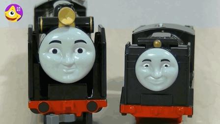 3加长托马斯载满货物车厢自动连接 小火车表情呆萌可爱