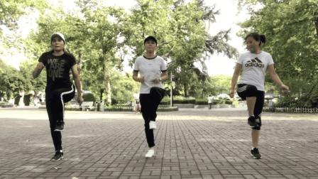 最近很流行的鬼步舞, 基础奔跑2个动作, 慢节奏一步一步展示教学