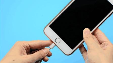 手机充电要注意, 这5种情况缩短手机使用寿命, 看完你会感谢我的