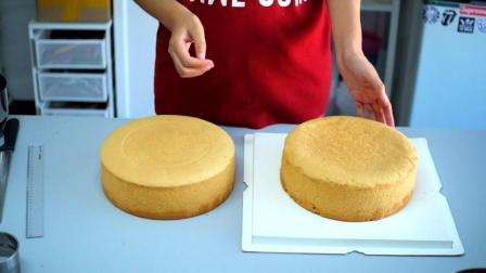 如何用2个10寸戚风蛋糕拼成12寸