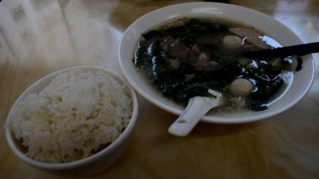 广东人的特色美食: 猪杂汤饭, 清淡又营养, 看了直流口水