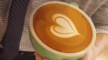 爱心咖啡拉花技巧教程3