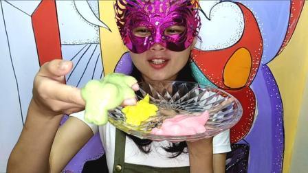 美食吃货: 面罩小姐姐吃彩色鳄鱼布丁 Q软香甜好吃的停不下来