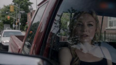 三分钟看完《美国式哥特》第八集 艾莉森线人,发现丈夫出轨