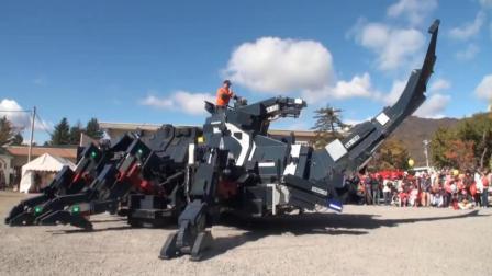 高手在民间! 六旬老人打造17吨重的机械甲虫, 还能灵活行驶