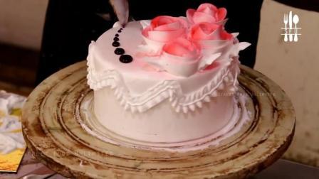 印度店里的蛋糕装饰技巧, 你能欣赏这种造型么?