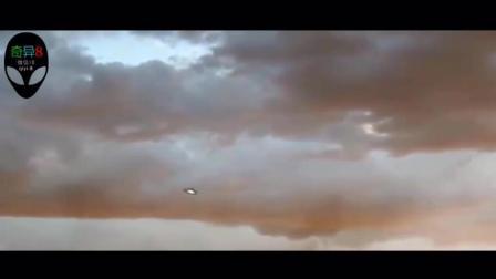 奇闻异事: 揭秘不明飞行物目击事件之三角形发光飞碟UFO