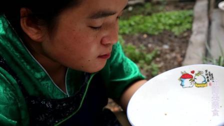 苗大姐洋葱辣椒炒肉, 味道太香, 吃了大碗米饭想舔碗