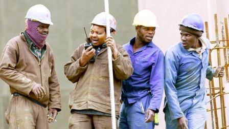 非洲工人发了工资就不见人影, 中国企业想出妙招, 成效十分显著