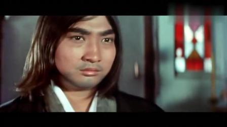 洪金宝对战李小龙的师傅, 果然不是对手, 被打惨了