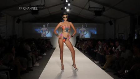 Lila Nikole 2018 哥伦比亚春夏时装秀, 模特轻松展现高贵冷艳的自信美!