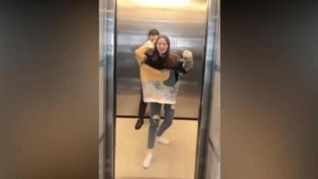 小姐姐在电梯跳舞, 小伙太不怜香惜玉了!