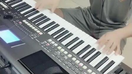 电子琴演奏《学生演奏小小新娘花》