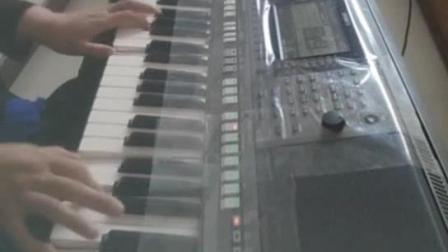 电子琴演奏《学生演奏站台伴奏》