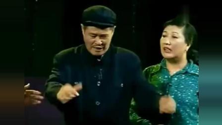 赵本山范伟爆笑小品《梦想家》一开口台下笑翻