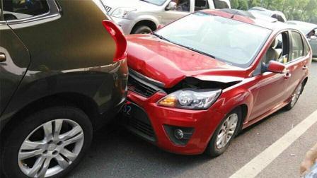 前车突然停车, 后车刹车不及时撞上去, 该谁负责? 交警给出了答案