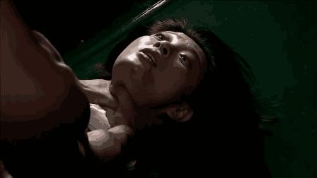 何晨光以为是真的被抓, 要掐死媳妇, 还好被首长及时制止!