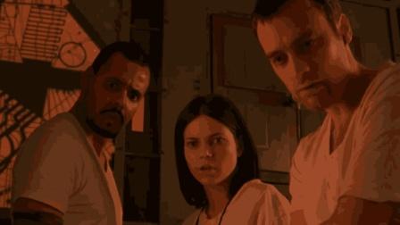 两分钟看完《异次元杀阵》, 一觉醒来发现自己身处精密迷宫中