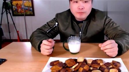 韩国大胃王: 韩国吃货小哥吃甜品曲奇饼干
