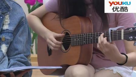 延禧攻略明玉小姐姐吉他弹唱《情非得已》嗓音也太好听了