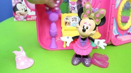 迪士尼百变拉杆箱米妮骑摩托车玩具 米老鼠换装在闪光镜子前好美