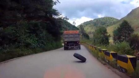 事故警世钟: 泥头车不仅开快了可怕, 慢慢走着走着车轮掉了, 也让人害怕428期