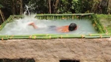 牛人徒手造房顶露天竹壁泳池