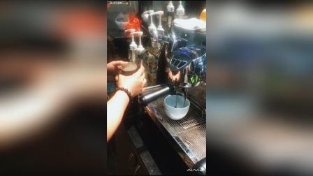 拿铁咖啡, 黑鹰咖啡机体验