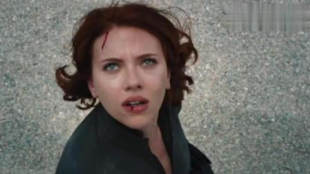 钢铁侠你到底有多怕浩克, 死了都被吓得复活, 醒了就问谁亲了你