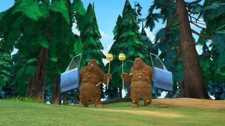 熊出没: 熊大熊二为了对付光头强, 全副武装起来, 光头强武器没用