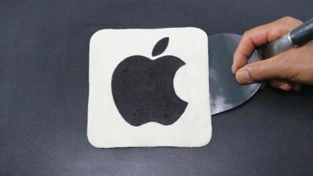 """儿子说苹果手机真香, 画家爸爸拿锅烙了张饼, 说这才是""""真香""""!"""